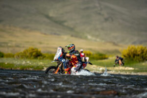Silk Way Rally Changes Course, Walkner Leads // Coss Country ADV